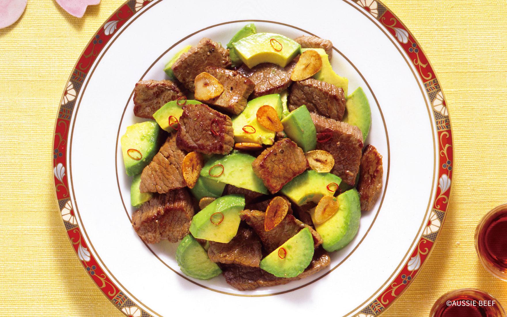 牛肉とアボカドの中華炒め